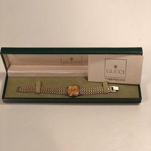 Gucci Vintage 9000L Timepiece 18K Gold Watch